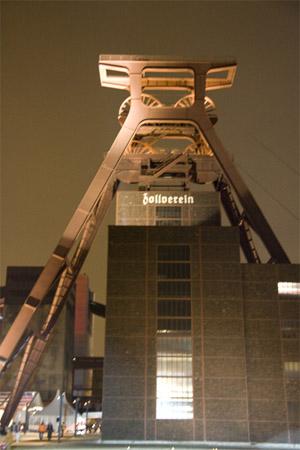 Kulturhauptstadt_Eroeffnung_Zollverein_Foerderturm